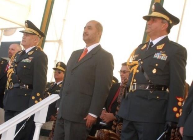 Asumi su cargo el nuevo director general en la polic a for Ministro de la policia nacional