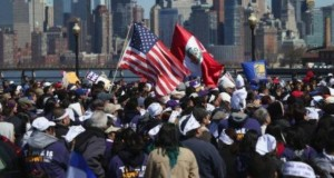 Los peruanos que viven en el extranjero celebrarán mañana con júbilo su día.
