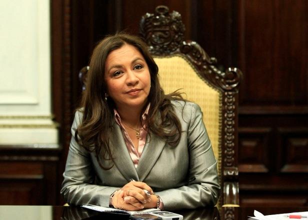 Marisol Espinoza en su misiva de renuncia da a entender que seguirá en el cargo de vicepresidenta de la República.