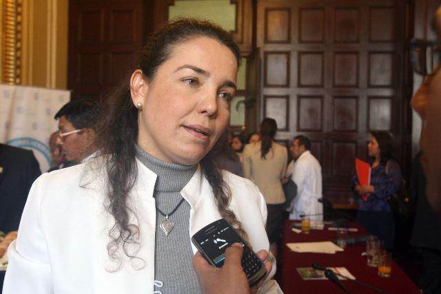 La jefa del INEN, Tatiana Vidaurre Rojas, detalló que la población de escasos recursos puede acceder a este tipo de cirugías, en el marco de la ejecución del Plan Esperanza a través del SIS.