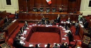 La Comisión Permanente del Congreso autorizo las reuniones aprovechando una escala técnica en la capital italiana.