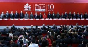 Candidatos presidenciales y dirigentes de las agrupaciones políticas se dieron cita en este importante acto. No concurrieron los representantes de los partidos Restauración Nacional y el Partido Nacionalista Peruano.