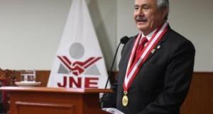 El presidente del Jurado Nacional de Elecciones, Francisco Távara Córdova, dijo que el acuerdo promueve un proceso eleccionario donde prime el debate de las propuestas de gobierno de los candidatos y no los agravios.