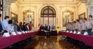 El alcalde Luis Castañeda Lossio subrayó en la ceremonia que si la sociedad es protegida y ordenada, habrá espacio para ir a espacios públicos.