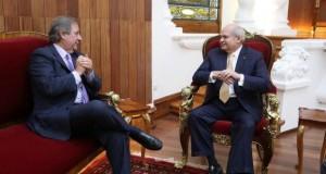El presidente del Consejo de Ministros, Pedro Cateriano Bellido, se reunió hoy con el jefe de la Misión de Observación Electoral de la OEA, Sergio Abreu.