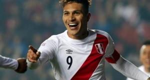 Esperamos que esta alegría de Paolo Guerrero se repita esta tarde cuando meta por lo menos un gol a Uruguay. Si son más, la alegría será de todo el Perú.