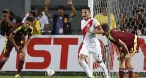 El entrenador Ricardo Gareca incluirá a Raúl Ruidíaz de buena actuación frente a Venezuela.