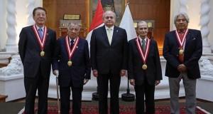 El jefe del Gabinete Ministerial, Pedro Cateriano Bellido, entregó la Medalla al Mérito Ciudadano a distinguidas personalidades, en reconocimiento a sus destacadas labores y trayectorias en favor de los altos intereses de la Nación.