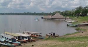 La ministra Magali Silva Velarde-Álvarez  recomendó en este feriado lardo patrio, visitar la Laguna de Yarinacocha un atractivo lugar turístico de Pucallpa.