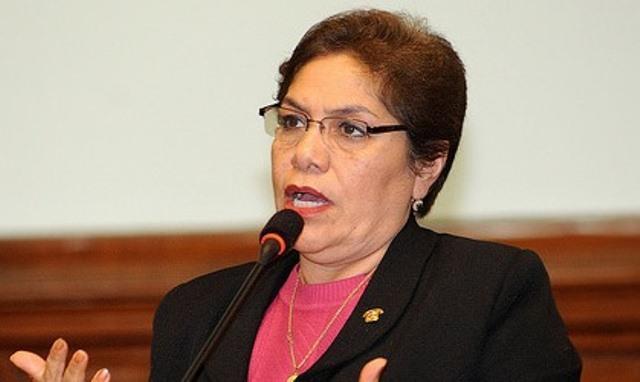 La electa bancada fujimorista le dio el total respaldo a la congresista Luz Salgado, al proponerla como candidata única.