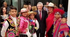 El nuevo Embajador del Perú en Estados Unidos, Carlos Pareja Ríos, departió con los connacionales en esta alegre reunión organizada por el Consulado General del Perú en Washington, D.C.