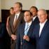 El presidente Pedro Pablo Kuczynski, al lado de su gabinete ministerial, respaldó al ministro de Educación, Jaime Saavedra, ante los últimos cuestionamientos sobre su gestión.