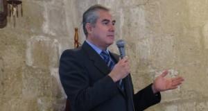 El parlamentario andino Mario Zúñiga Martínez pidió al Ministerio de Relaciones Exteriores del Perú a adoctrinar a sus 13 consulados en Estados Unidos, para que brinden asesoría legal a los connacionales.