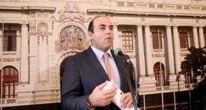 El presidente del Consejo de Ministros, Fernando Zavala Lombardi, dijo a la prensa que el Ejecutivo requiere el apoyo del Congreso para acelerar ciertos planteamientos que necesitan proyectos de ley.