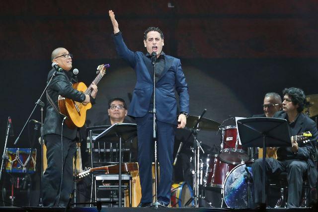 """El tenor peruano Juan Diego Flórez se unió así a la campaña """"Una sola fuerza"""" para ayudar a los damnificados por el Niño Costero."""