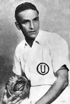 """Teodoro """"Lolo"""" Fernández, histórico jugador del Universitario."""