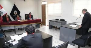 El abogado Pascual Velarde, en representación de Toledo Manrique, durante su pedido de revocación de la resolución, que fuera dictada por el juez Richard Concepción Carhuancho.