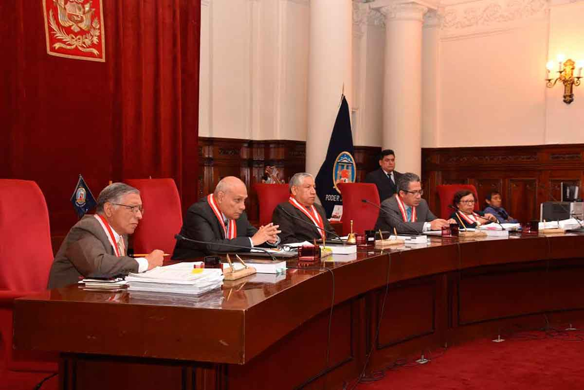 Los miembros de la Corte Suprema que decidieron la absolution de los implicados en el caso Petroaudios.