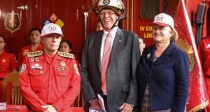 El presidente Pedro Pablo Kuczynski adelantó que en el presupuesto del próximo año, se dará más apoyo material y logístico al Cuerpo General de Bomberos Voluntarios del Perú.