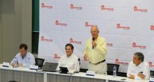 El presidente Pedro Pablo Kuczynski presentó el plan en presencia del gobernador regional, Reynaldo Hilbck; 80 alcaldes provinciales y distritales, así como legisladores de la región piurana.