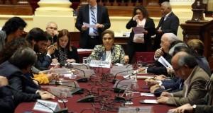 La congresista Luz Salgado Rubianes resultó elegida presidenta de la Comisión de Relaciones Exteriores del Congreso para el periodo legislativo 2017-2018 y de inmediato convocó al canciller Ricardo Luna Mendoza.