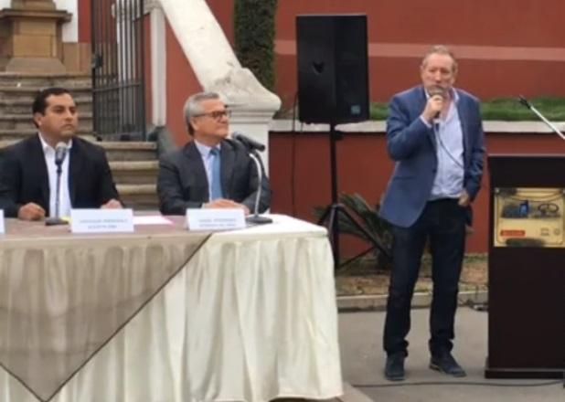 El alcalde del Rímac, Enrique Peramás; el presidente del Patronato del Rímac, José Lindley; y el presidente de Apega, Bernardo Roca Rey, anunciando la realización de Mistura 2017.