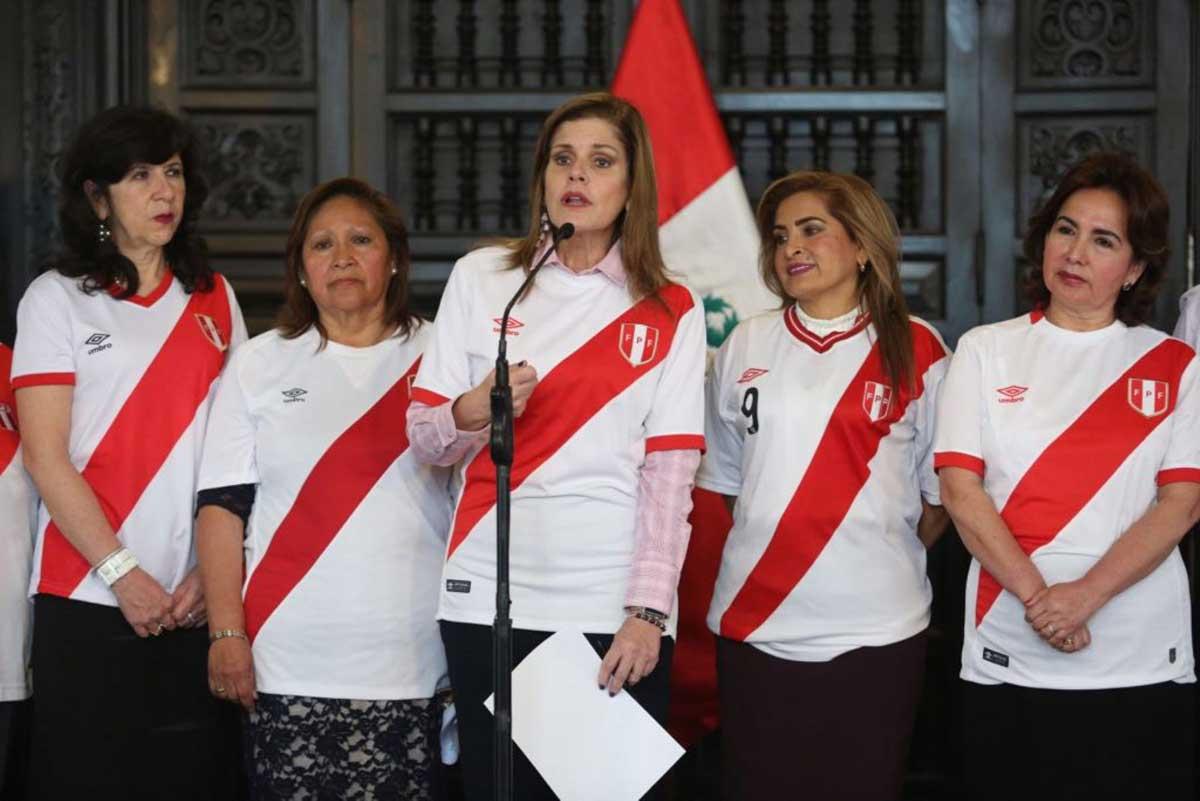 VIDEO: Mercedes Aráoz insta a ponerse la camiseta contra la violencia hacia la mujer