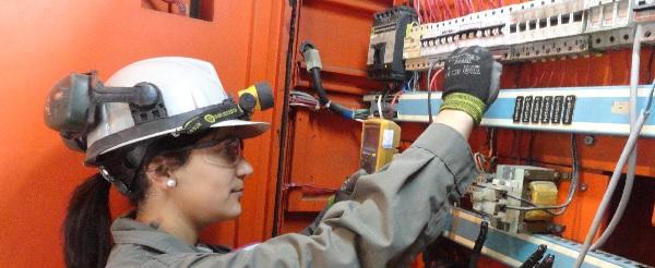 Lea el reglamento de ley que proh be discriminaci n for Trabajo de electricista en malaga